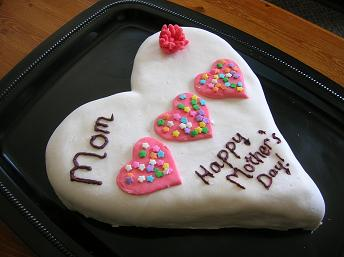Mother''s Day Heart Cake